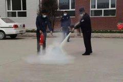 牡丹江市消防救援支队阳明消防救援大队深入东华小学开展消防安全演练